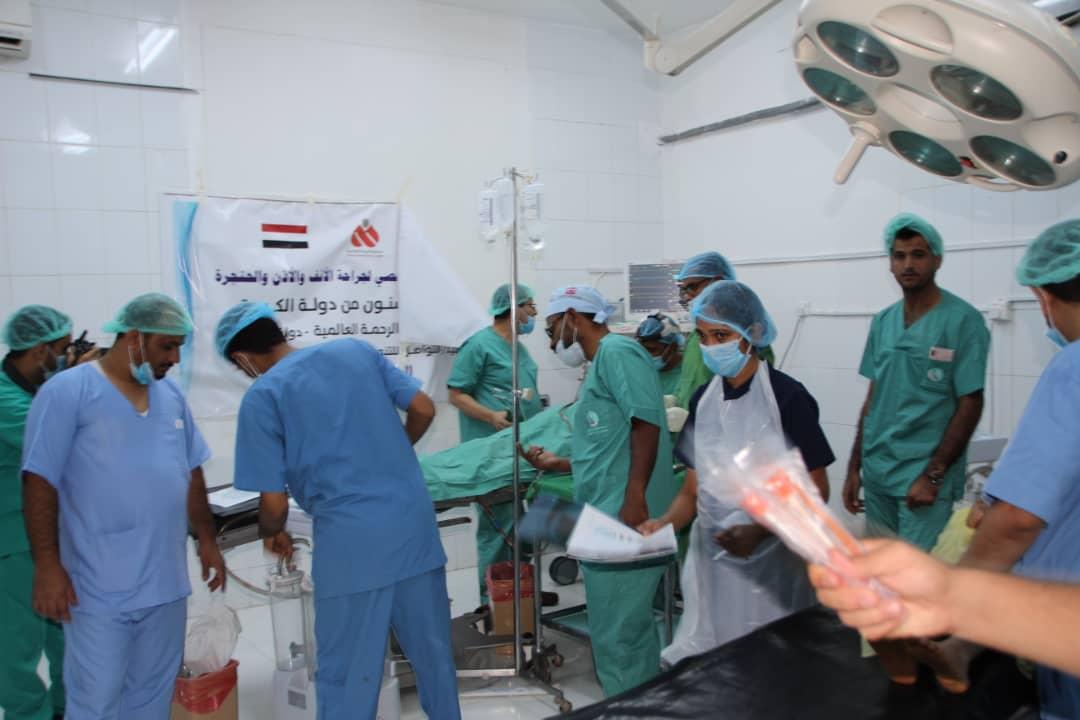 الوكيل مفتاح يدشن المخيم الطبي الجراحي المجاني في الانف والاذن والحنجرة بمستشفى مأرب