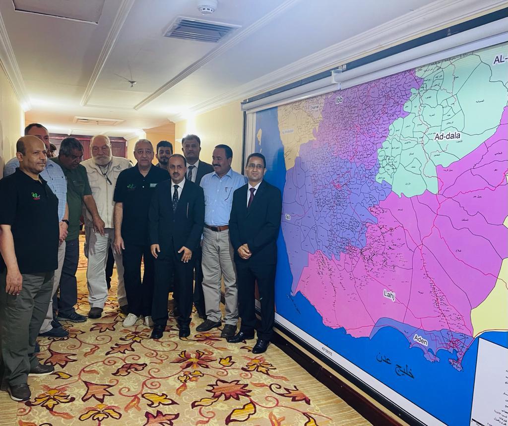 الارياني يزور مشروع مسام ويندد باستمرار مليشيا الحوثي الارهابية بزراعة الألغام