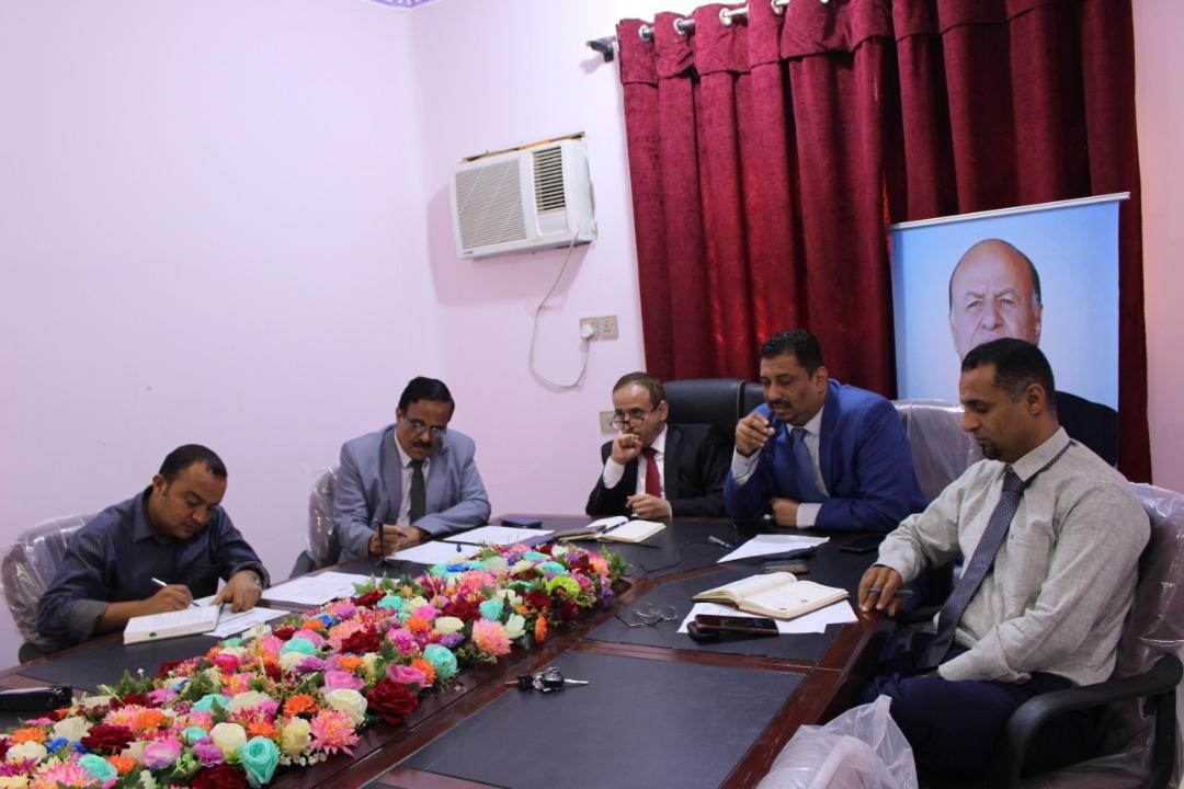 وزير التعليم العالي يترأس اجتماعاً افتراضياً لقطاع البعثات في ماليزيا والجزائر