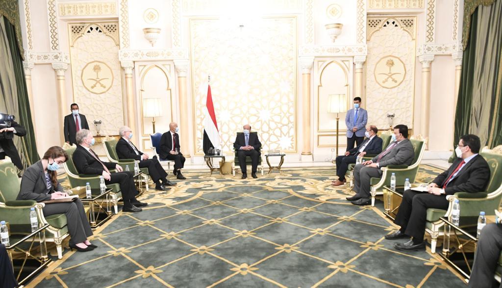 رئيس الجمهورية يستقبل المبعوث الامريكي الخاص الى اليمن