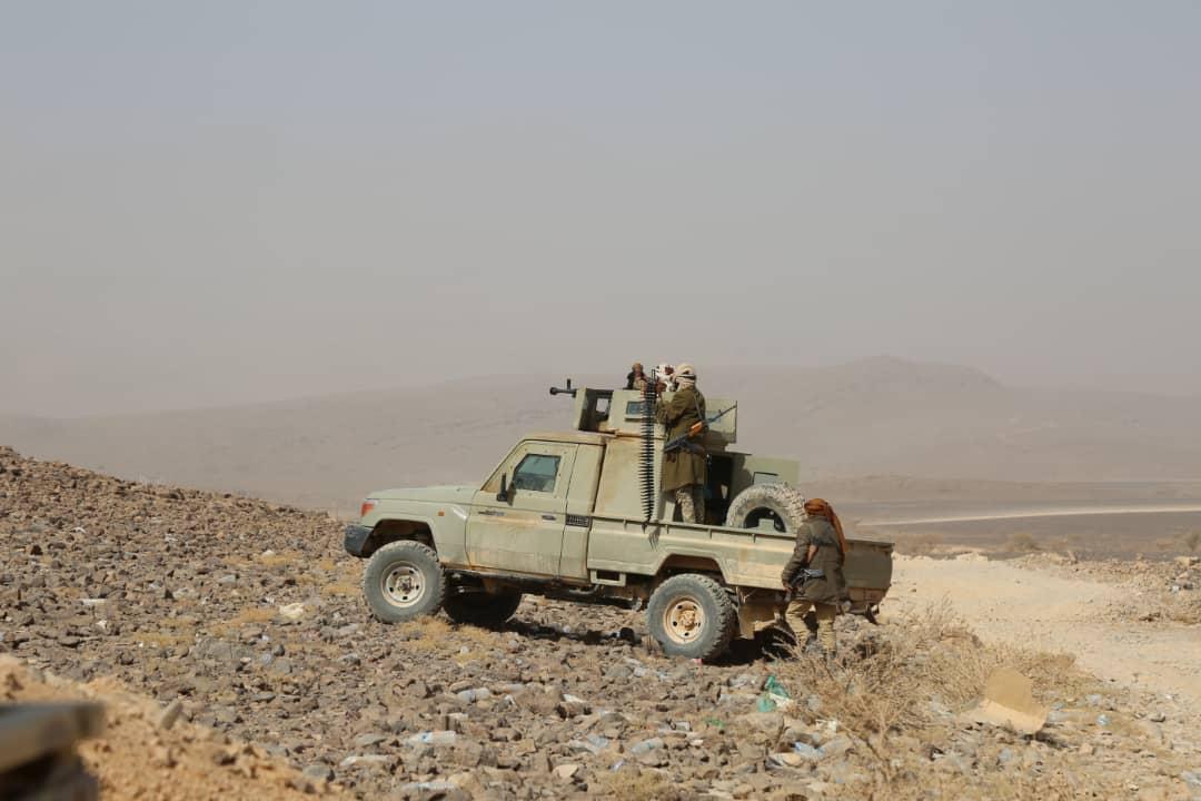مدفعية الجيش الوطني تدمّر تعزيزات حوثية شمالي غرب مأرب