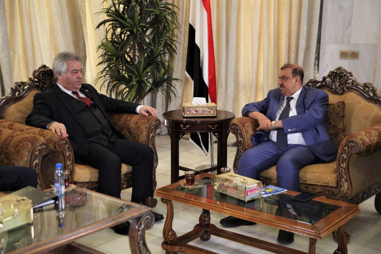 رئيس مجلس النواب يلتقي بالسفير التركي لدى اليمن